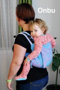 Photo - Le portage avec un porte-bébé Onbu vue de dos