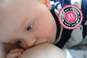 Photo - bébé allaité - Banc d'essai sur les tire-lait électriques et manuel