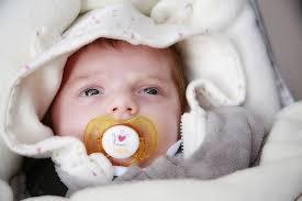 Photo - Bébé endormi : La constipation chez bébé