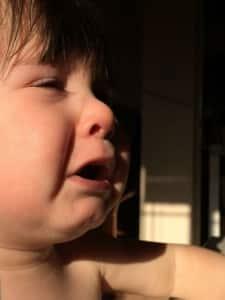 Comment savoir si bébé fait ses dents?