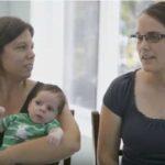 Témoignage Devenir parents avec notre maman collaboratrice au journal intime Chantal, sa conjointe Rachel et bébé Émile