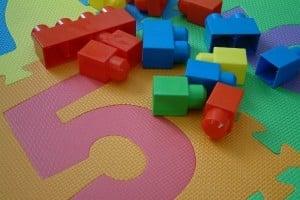 Jouets pour bébé bloc - Journal intime de Charlotte